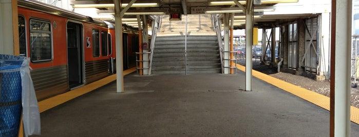 SEPTA Fern Rock Transportation Center is one of Ryan'ın Beğendiği Mekanlar.