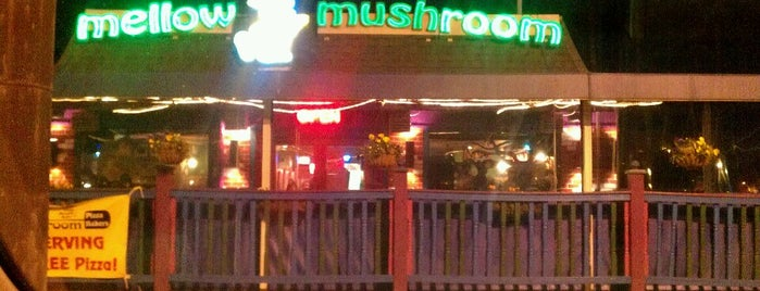 Mellow Mushroom is one of Tempat yang Disimpan Jennifer.