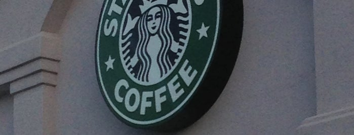 Starbucks is one of Lugares favoritos de Andrew.