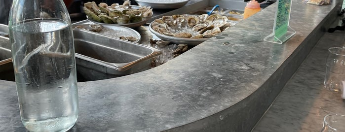 The Darling Oyster Bar is one of Jessica's Liked Places.