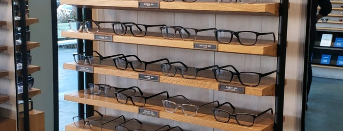 Warby Parker is one of Tom's Liked Places.