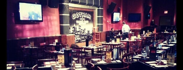 Gotham Comedy Club is one of Tempat yang Disukai Erik.