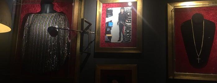 Hard Rock Cafe is one of Lieux sauvegardés par Mohamad.