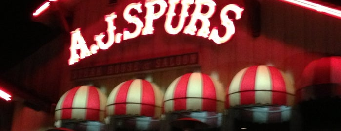 AJ Spurs Saloon & Dining is one of Yedさんのお気に入りスポット.