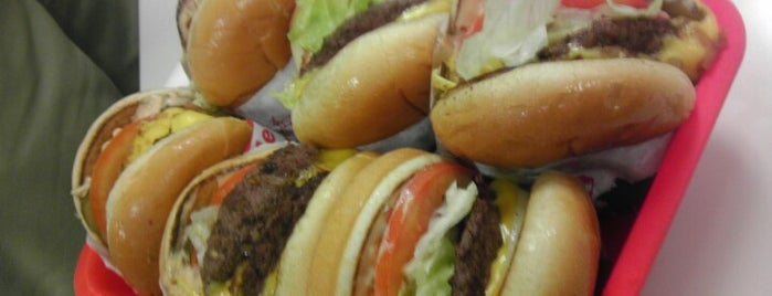 In-N-Out Burger is one of Shiloh 님이 좋아한 장소.