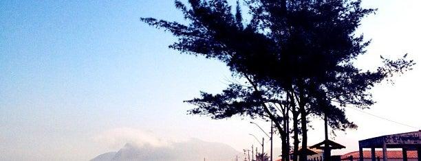 Praia de Itaipuaçu is one of Gespeicherte Orte von Jaqueline.