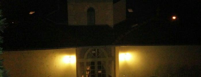 Vár Hotel Wellness és Kastélyszálló is one of สถานที่ที่ Edu ถูกใจ.