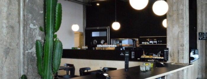 Flor Café is one of Tempat yang Disukai Glauber.