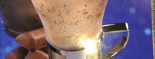 Johnny Rockets is one of สถานที่ที่ Nayef ถูกใจ.