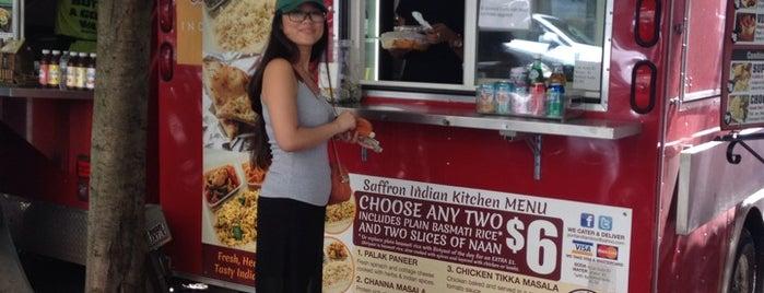 Tandoor's Saffron Indian Kitchen is one of Posti che sono piaciuti a Allison.