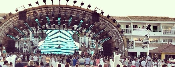 Ushuaïa Beach Club is one of DJ Mag Top 100 Club (2014).