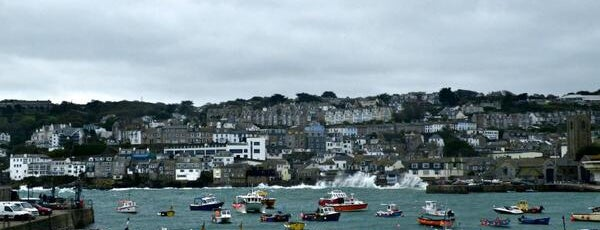 St Ives Harbour and Beach is one of Best UK #PhotoSpots.