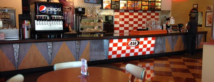 A&W is one of Lieux qui ont plu à Kayla.