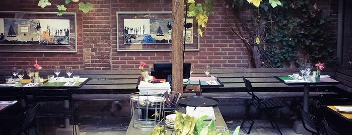Cafe Verheyden is one of สถานที่ที่บันทึกไว้ของ Doris.