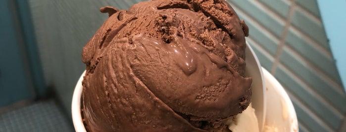 Van Leeuwen Artisan Ice Cream is one of Posti che sono piaciuti a Oren.