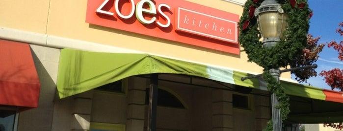 Zoës Kitchen is one of Tempat yang Disukai Ross.
