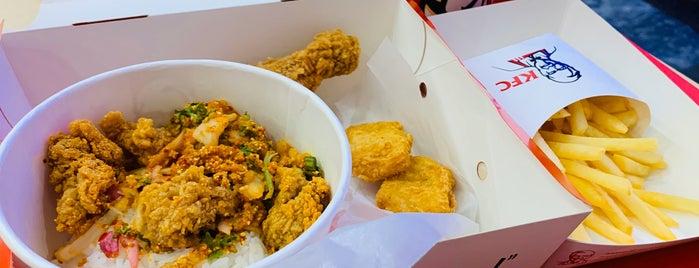 KFC (เคเอฟซี) is one of Locais curtidos por Yodpha.