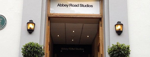 Abbey Road Studios is one of Londres.