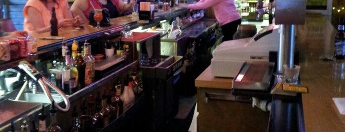Beck's Pub is one of Karaoke.