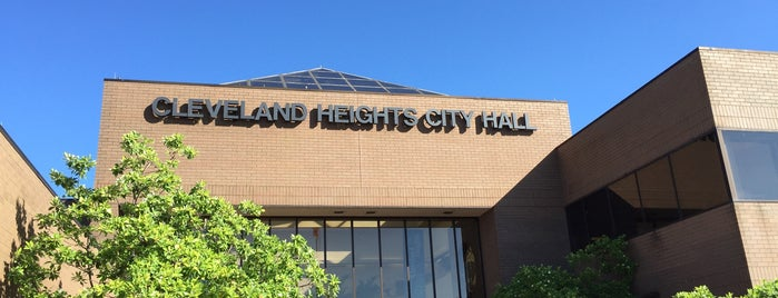 Cleveland Heights City Hall is one of Locais curtidos por John.