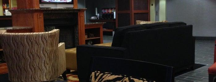 Hampton Inn & Suites is one of Brett : понравившиеся места.