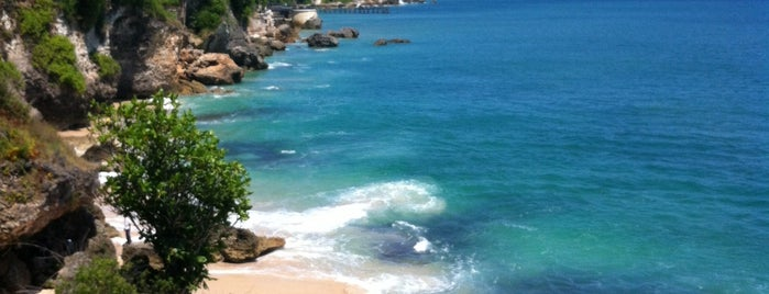 Tegal Wangi Beach is one of Travel Guide to Bali.