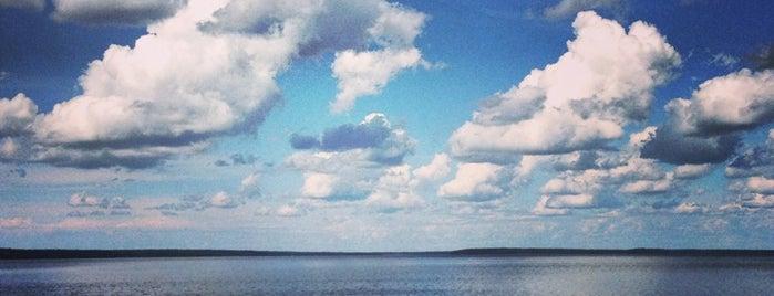 Пляж Озера Глубокое is one of Искусство и природа!.