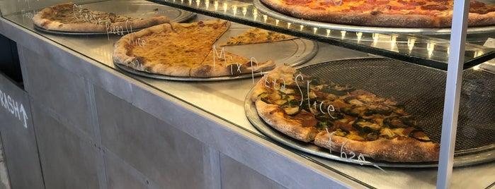 The Pizza is one of Jillian 님이 저장한 장소.