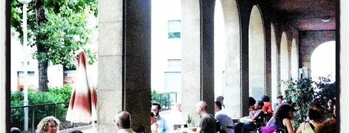 Chelo Café & Zumo is one of Terrazas Barcelona.