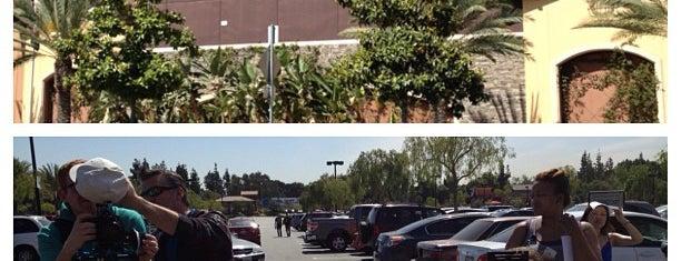 Walmart Supercenter is one of Locais curtidos por Vanessa.