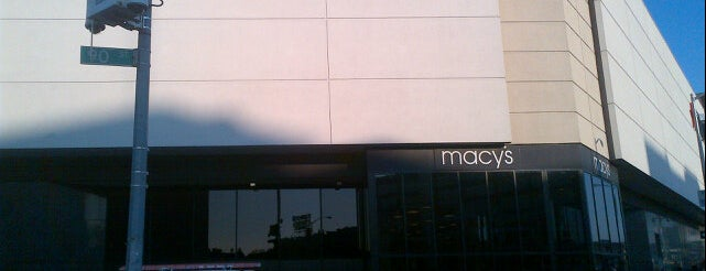 Macy's is one of Lugares favoritos de L.