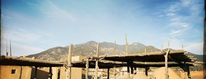 Taos Pueblo is one of Locais curtidos por eric.