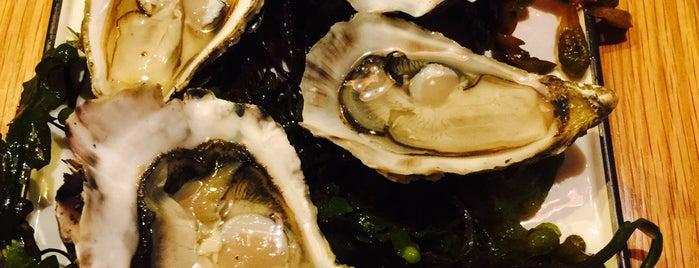 Oscar's Seafood Bistro is one of Tempat yang Disukai Peter.
