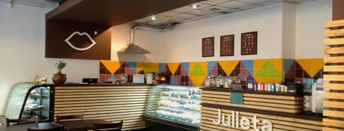 Café Julieta is one of ¿Un café?.