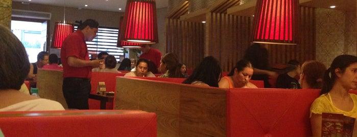 Hiatari Sushi Bar is one of Locais curtidos por Andreia.