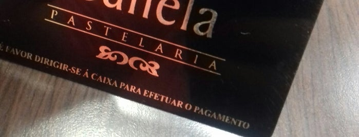 Pastelaria Pau de Canela is one of Locais curtidos por Cristi.
