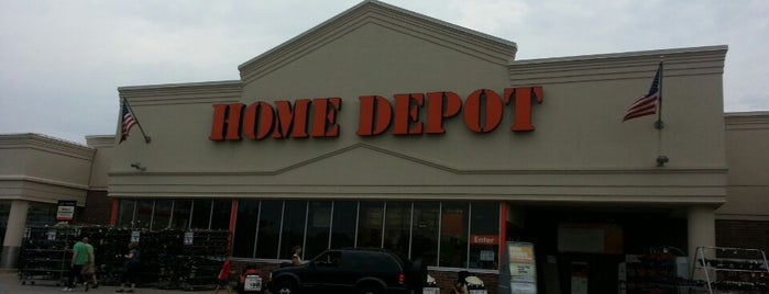 The Home Depot is one of Posti che sono piaciuti a Sharon.