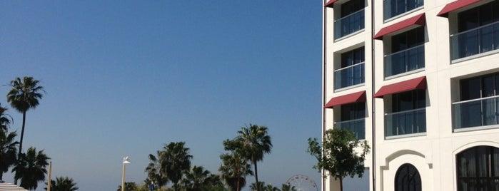 Loews Santa Monica Pool is one of Conor'un Beğendiği Mekanlar.