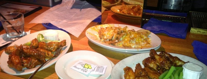 Wild Wing Cafe is one of Hampton Roads.