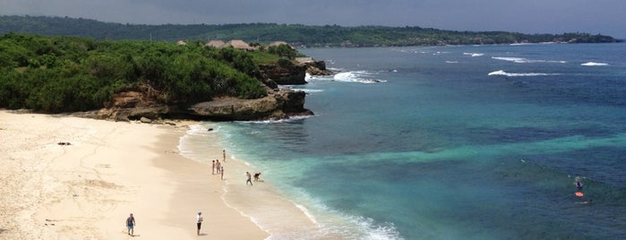 Dream Beach is one of Nusa Lembongan.