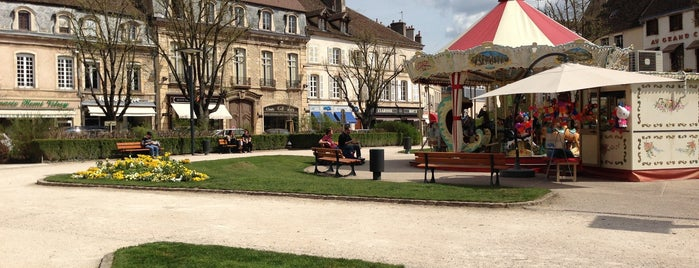 Place Carnot is one of Burgundy.