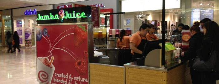 Jamba Juice is one of Lugares favoritos de Suzy.