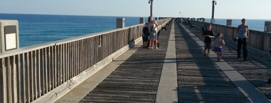 Pensacola Beach Gulf Pier is one of Elena 님이 좋아한 장소.