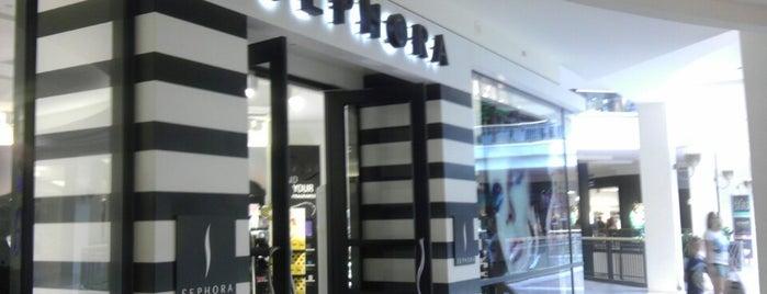 SEPHORA is one of Tempat yang Disukai leis.