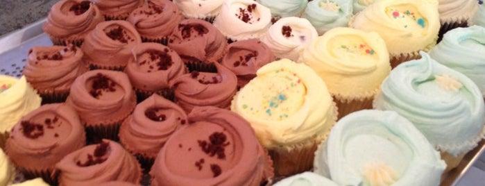 Michelle's Cupcakes is one of Lugares favoritos de Ewa.