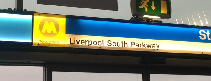 Liverpool South Parkway Railway Station (LPY) is one of สถานที่ที่ Barry ถูกใจ.
