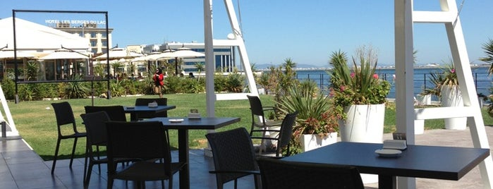 Aquatic Restaurant et Salon de thé is one of smart & co.