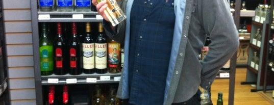 Grand Wine & Liquors is one of Tyler 님이 좋아한 장소.