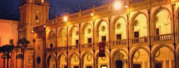 Piazza della Repubblica is one of สถานที่ที่ Roberta ถูกใจ.