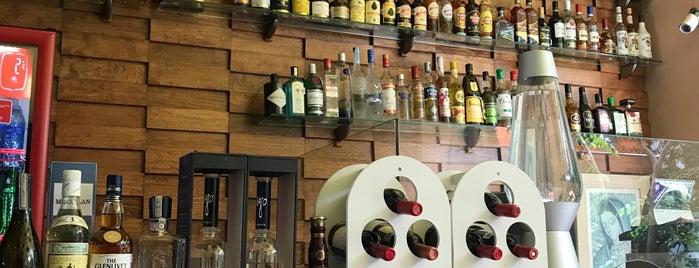 Restaurant Brisas Del Mar is one of Tempat yang Disukai Maggie.